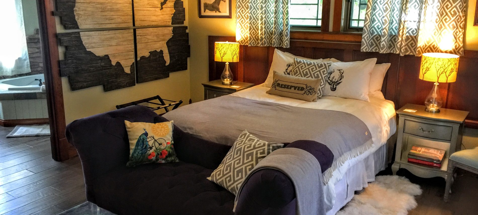 Photo of the Carriage House Suite.